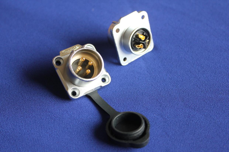 20mm-flang-male-ip67-img-0930.jpg